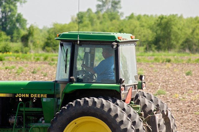 Managing Farm Machinery to Cut Repair Costs